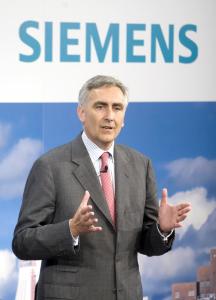 Peter Löscher PDG de Siemens