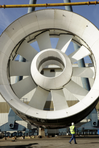 Suivi chantier hydroliennes de Paimpol - Bréhat - Mise en place de la turbine sur la barge.