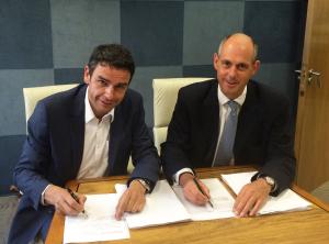 Christophe Chevillion, DG d'Environnement SA et William Averdieck, Directeur Général et fondateur de PCME Ltd. (Crédit : Environnement SA)