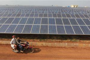 Le parc solaire de Neemuch, développé par Welspun Renewable Energy dans l'état du Madhya Pradesh. (Crédit : Welspun)