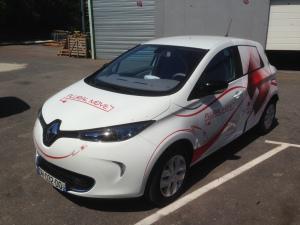 La première voiture électrique en autopartage à Reims. (Crédit : Groupe Plurial)
