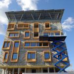Construction d'un bâtiment tertiaire à énergie positive en Rhône-Alpes (Crédit : A. Bouissou/Ministère du Développement durable)