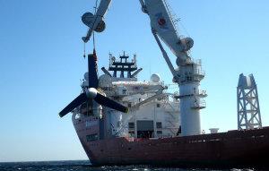 Installation d'une turbine d'Atlantis (Crédit : Atlantis)