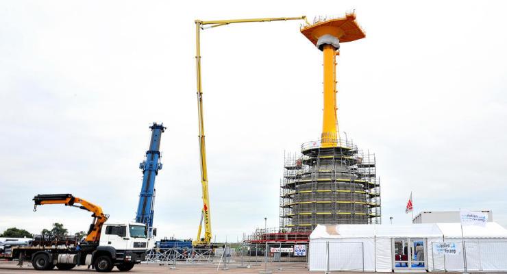 Chantier de la fondation gravitaire du mat de mesure au Havre. (Crédit : Denis Vase/Région Haute-Normandie)