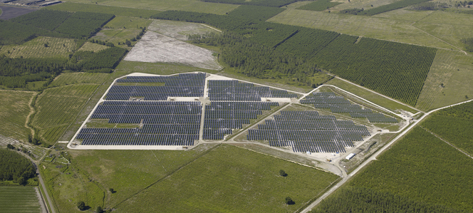 La centrale solaire photovoltaique de Langele dans les Landes. (Crédit : Compagnie du Vent)