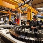 Qualifizierte Arbeitsplätze in der Maschinenhausfertigung / High-Skill Jobs Assembling Nacelles