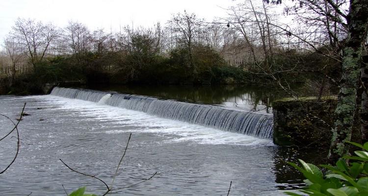 La micro-centrale de Duellas, en Dordogne (Crédit : Artesol)