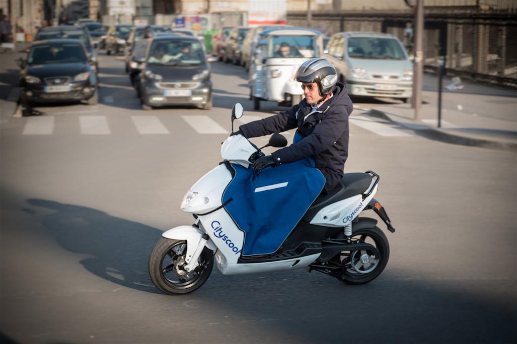 Un scooter électrique de Cityscoot. (crédit photo : cityscoot).