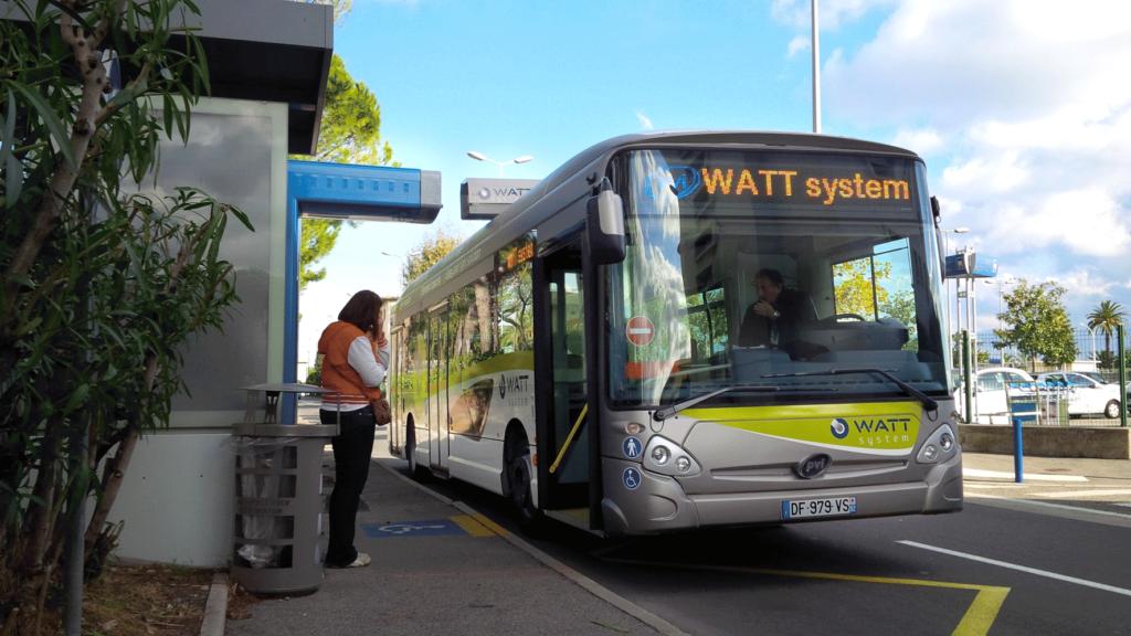 Un des bus électrique de PVI. (crédit photo : pvi.fr)