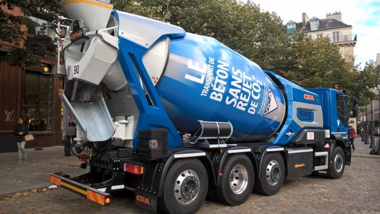 Un camion-toupie révolutionne le transport du ciment