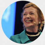 Mary Robinson fond gris