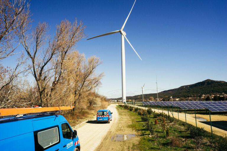 Les EnR menacent plus le réseau que les véhicules électriques