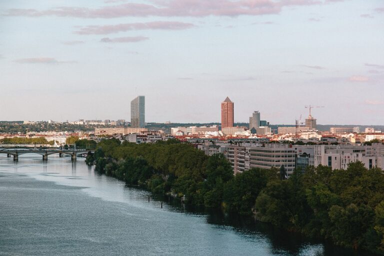 Lyon et Saint-Etienne créent un fonds d'amorçage industriel «vert»